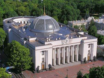 Верховная Рада приняла в первом чтении законопроект об отчислении в пенсионный фонд при покупке авто