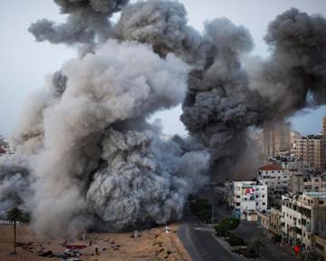 Израиль продолжил обстрел сектора Газа