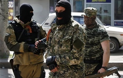 Вооруженные люди захватили управление Донецкой железной дороги