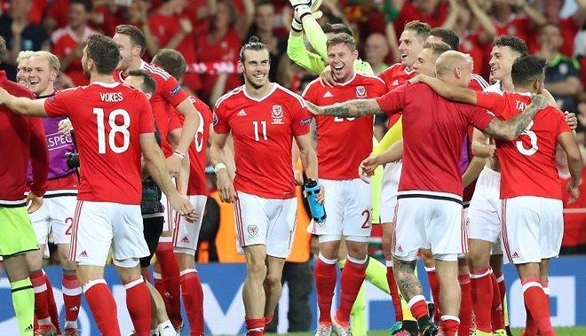 Уэльс разгромил Россию на ЕВРО 2016 - 3:0