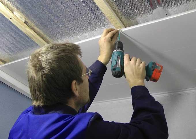 Как крепить гипсокартон к потолку?