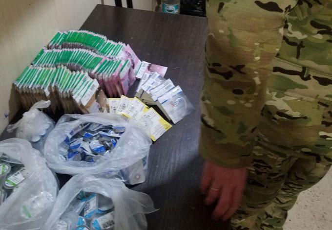 На неподконтрольную Донетчину пытались вывезти линзы на более 90 тыс. грн