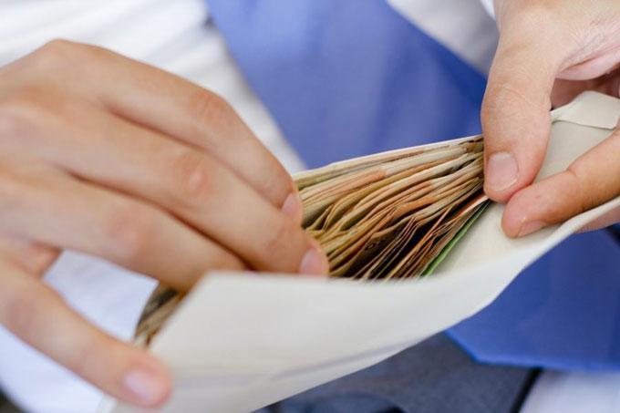 ГФС Донетчины просит не получать зарплату в конвертах