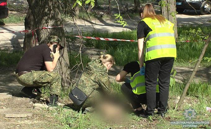 В Мариуполе возле детского сада нашли труп