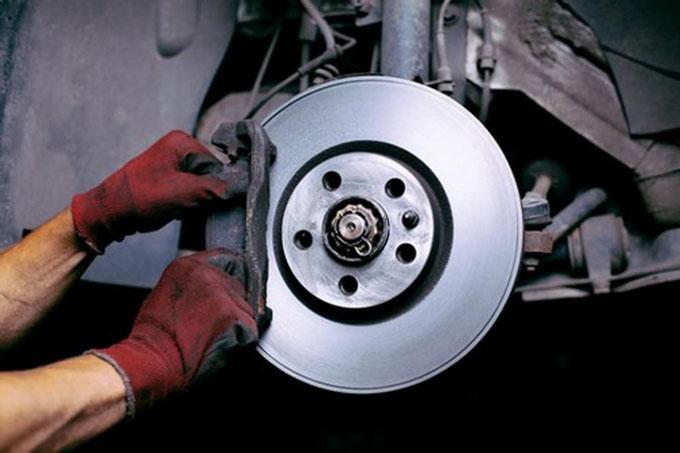 Самостоятельная замена тормозных колодок автомобиля