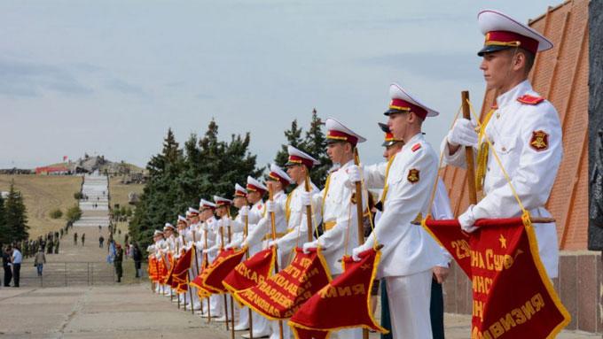 На Саур-Могиле празднуют 75-ю годовщину освобождения Донбасса