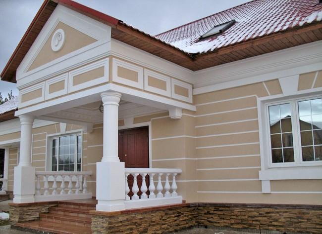 Фасадный лепной декор из пенополистирола: что это такое и в чем его особенности?
