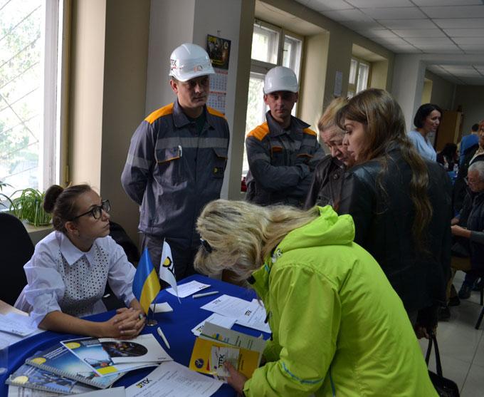 На ярмарке вакансий энергетики рассказали о преимуществах работы в ДТЭК Донецкие электросети