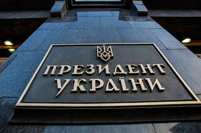 Многостаночник с Банковой: кто в команде Порошенко ведет двойную игру