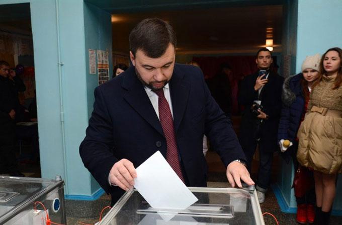 """Врио """"главы"""" ДНР проголосовал на """"выборах"""""""