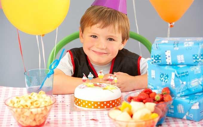 Как поздравить с Днем рождения ребенка?