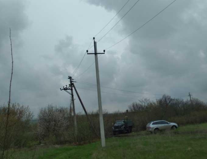 ДТЭК Донецкие электросети в третий раз с начала года восстановил энергоснабжение для жителей поселка Зайцево