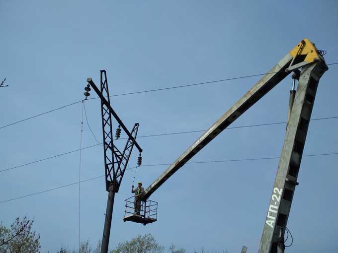 ДТЭК обеспечил 7 тыс. жителей прифронтовой зоны надежным электроснабжением накануне Пасхи