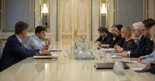 План Зеленского по Донбассу: в ЕС вернули президента Украины в действительность