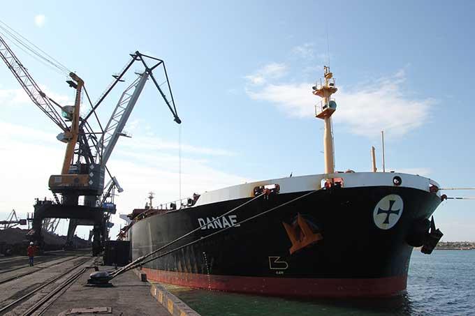 В Украину прибыло третье судно с углем из Колумбии для ТЭС ДТЭК
