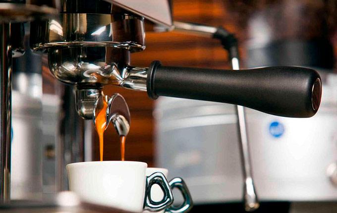 Как сварить вкусный кофе при помощи кофемашины – несколько простых рецептов для всех