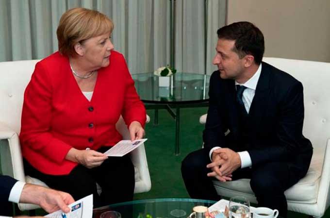 Зеленский опять обговорил с Меркель вопрос Донбасса