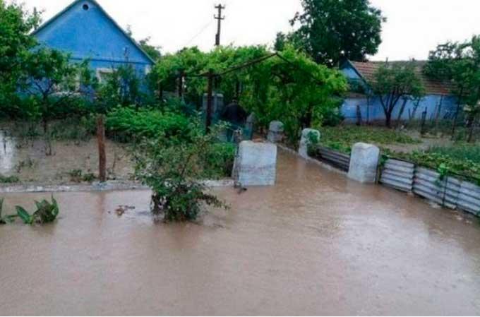 Непогода обесточила и подтопила более 100 населенных пунктов, есть погибшие