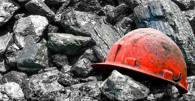 В Донецке третьи сутки горит шахта