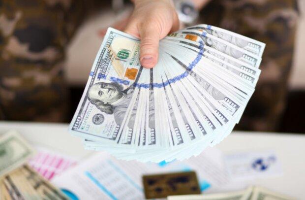 Конец этой недели завалит пачками денег: каким знакам Зодиака сказочно повезет