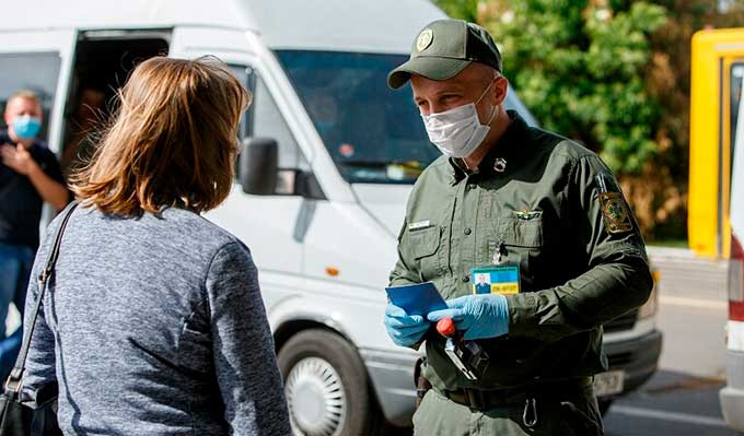 Юристы рассказали, как пересечь КПВВ без украинского паспорта