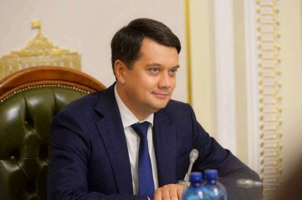 Общенациональный локдаун в Украине: Разумков сделал срочное заявление
