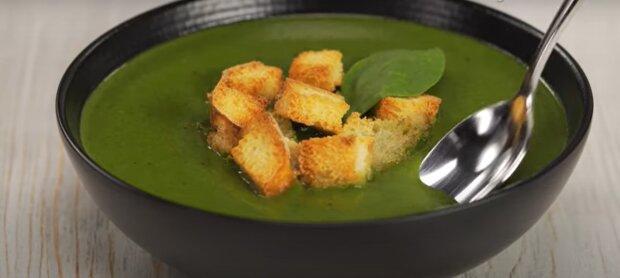 Пригодится каждому: назван простой суп, снижающий давление