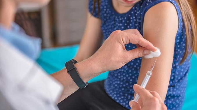 Индийская вакцина от коронавируса для украинцев-бедняков. Гарантий нет