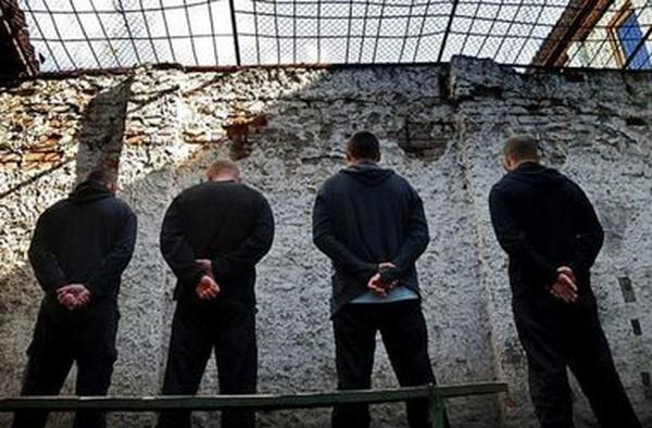 """В ДНР будут сажать в тюрьму за критику """"власти"""" в интернете. """"Законопроект"""" уже обсудили"""
