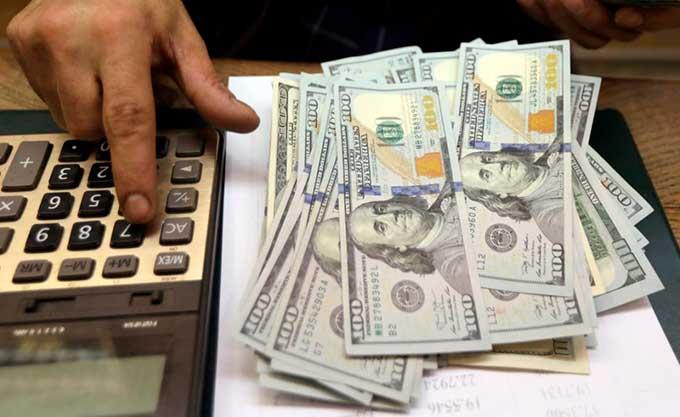 Курс доллара летит в пропасть, НБУ представил новые цифры: что ждет украинцев в обменниках