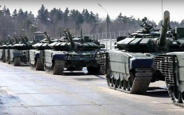 Будет полномасштабная война: со всей РФ к Украине движутся танки и БТР. Пора готовиться к удару