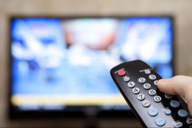 Будет информационный вакуум: в Украине перестанут транслировать популярные телеканалы. Список