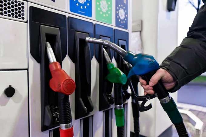Правительство ввело декларирование роста цен на бензин на 1%