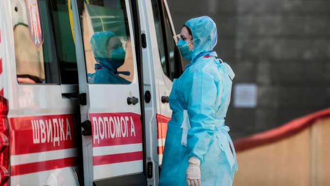 Коронавирус в Украине за сутки выявили у 3,5 тысячи человек, но госпитализаций туча