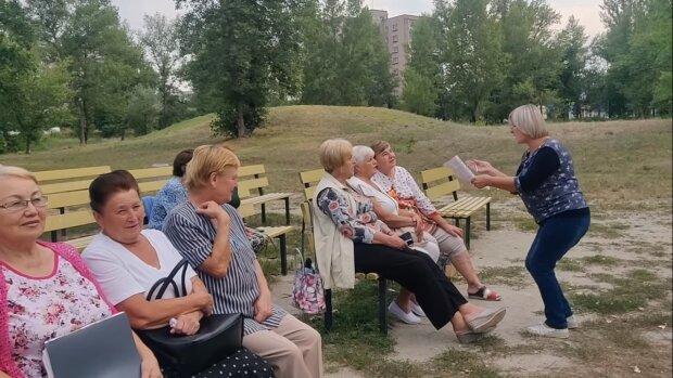 Полный обвал: украинцам раскрыли грустную правду о перерасчете пенсий