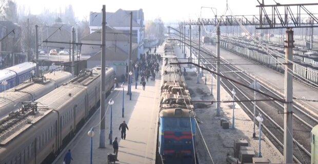 """Вот вам и Европа: пассажиры показали вонючий и протекающий вагон """"Укрзализныци"""""""