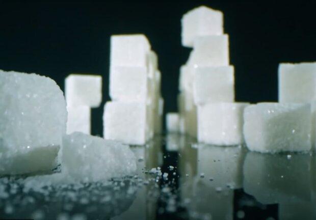 В Украине снова дорожает сахар, названа причина