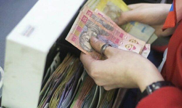 В Украине будет по-новому проводиться назначение и перерасчет пенсий: стали известны подробности