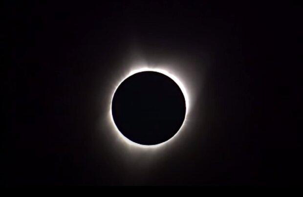 Уймите нервы и не работайте: сегодня солнечное затмение, астролог дал совет как не навредить себе