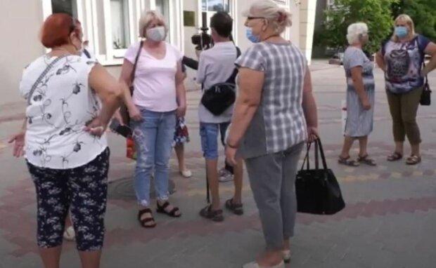 Прожиточный минимум в Украине станет выше: как изменятся пенсии и зарплаты