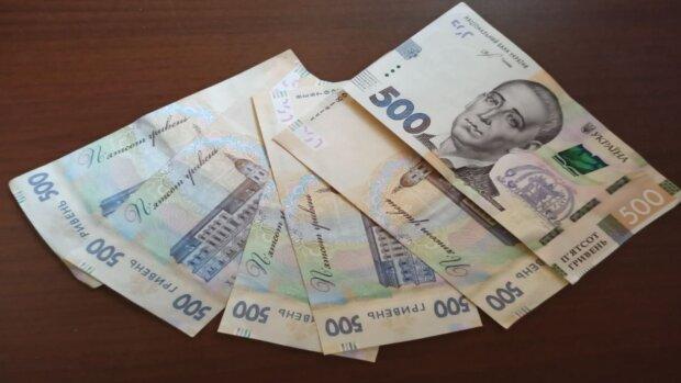 Зеленский вернул штрафы по кредитам: к кому придут коллекторы