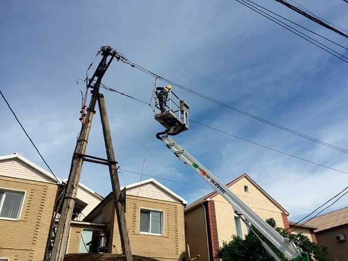За выходные ДТЭК Донецкие электросети восстановил энергоснабжение 65 населенных пунктов, обесточенных из-за непогоды