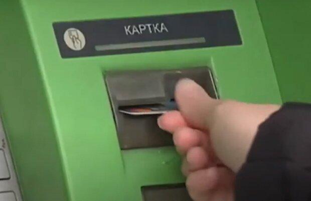 Кредитные карты для пенсионеров: топ-5 предложений банков
