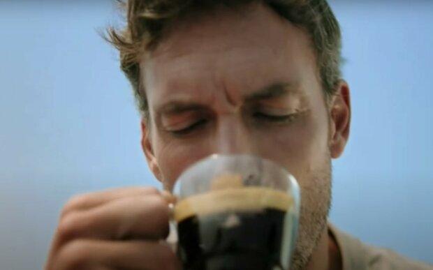 Упадете в обморок: названы продукты, с которыми не сочетается кофе