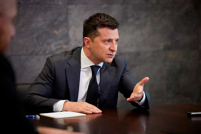 Власть пошла навстречу жителям ОРДЛО. Зеленский подписал важный закон
