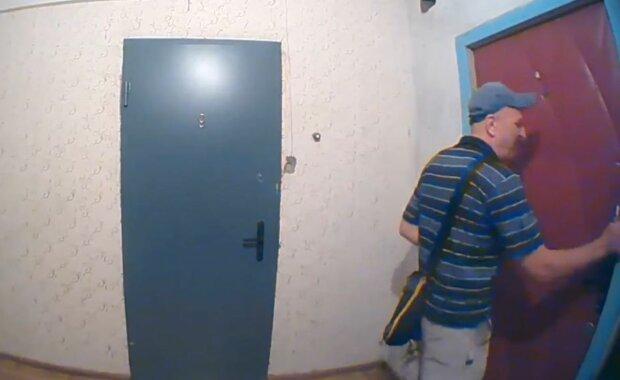 В Украине активизировались домушники, опасный момент сняла камера видеонаблюдения