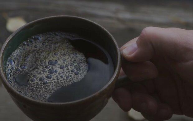 Такого не было 7 лет: украинцев озадачили ценами на популярный напиток
