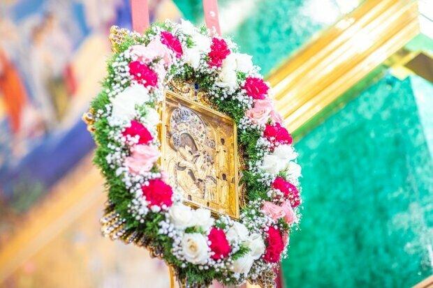 Сегодня верующие УПЦ празднуют день Почаевской иконы Богородицы