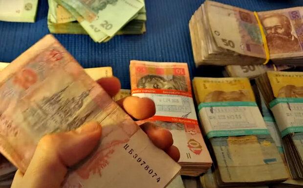 """""""Ощадбанк"""" стал выдавать кредиты без залога: кто может получить, пошаговая инструкция"""
